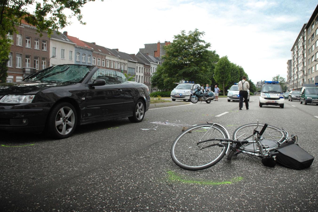 ongeval met fietser op Van Benedenlaan te Mechelen